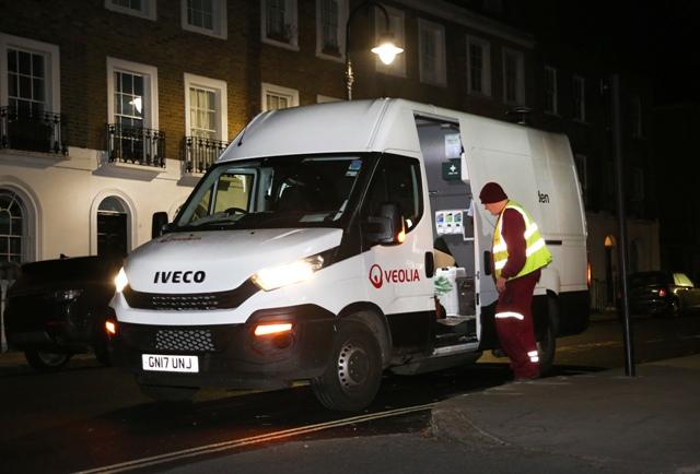 Furgonetas Iveco Daily de gas ayudan a limpiar las calles de Londres