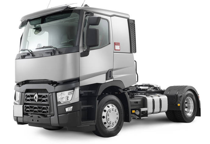 Renault Trucks entrega al servicio postal francés su primer camión de gas natural