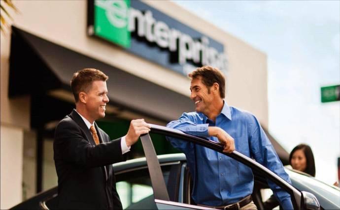 Enterprise adapta sus vehículos a sus cliente