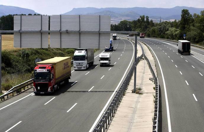 La DGT publica la nueva restricción de circulación para camiones en AP-1 y N-1