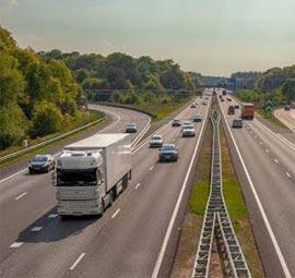 El Gobierno de España decreta el estado de alarma con toque de queda nocturno, pero el transporte queda exento