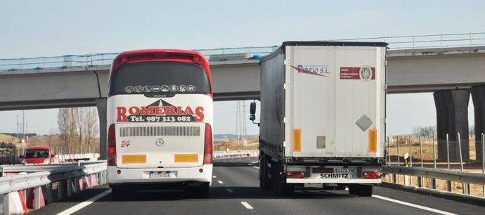 Fetransa reclama al Ministerio la creación de mesas de trabajo conjuntas entre Comunidades y los profesionales del transporte
