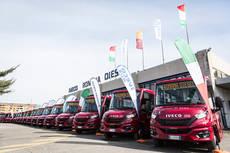 Roma presenta los 15 primeros nuevos minibuses urbanos Mobi City
