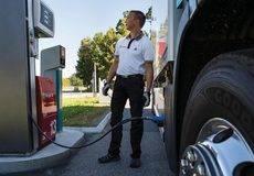 Scania lanza vehículos movidos con desechos domésticos