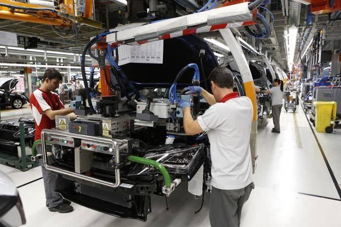 SEAT contrata a 100 empleados en la planta de Martorell