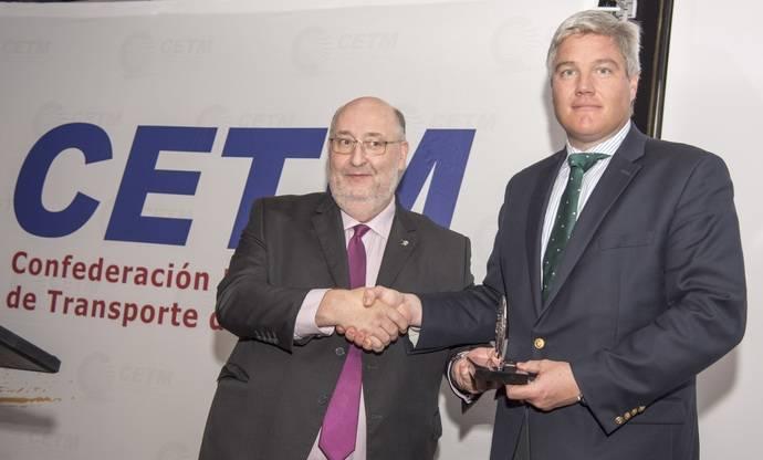 La asociación CETM otorga una placa de honor a CBRE por su labor inmologística