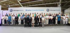 Los Reyes han visitado la fábrica de Volkswagen Navarra