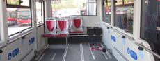 Autobús adaptado a las personas con movilidad reducida de a EMT de Valencia