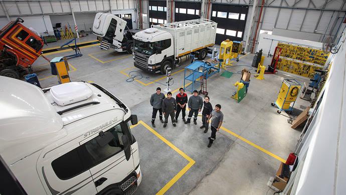 Scania introduce planes de mantenimiento flexibles para sus camiones