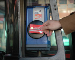 Madrid pondrá en marcha la 'tarjeta monedero' de transporte público