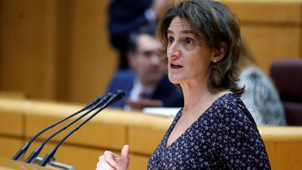 Teresa Ribera anuncia ayudas de hasta 15.000 euros para camiones 'limpios'