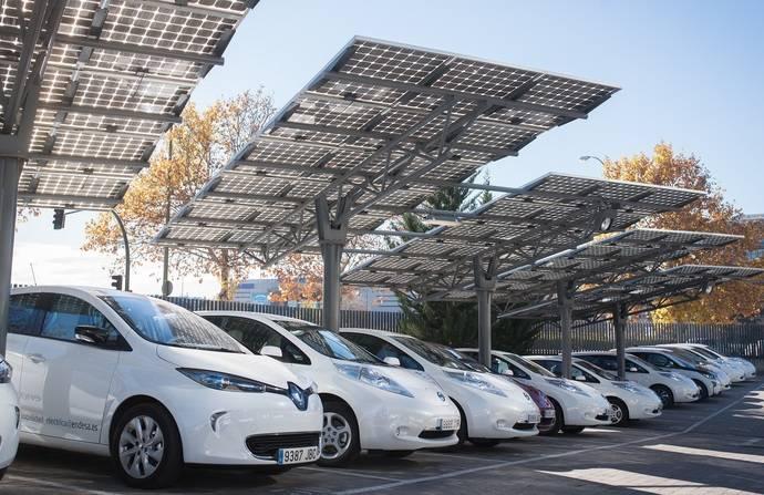 Los empleados de Endesa con coche eléctrico dan 47 vueltas a la tierra con sus vehículos