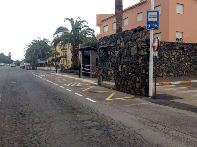 El Cabildo de Tenerife construye una nueva parada de Titsa en Tacoronte, en sentido Puerto de la Cruz
