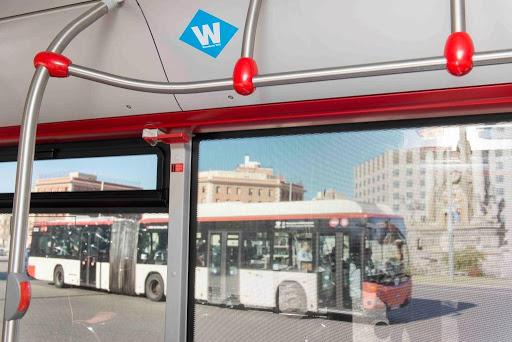 TMB contrata 46 buses híbridos de gas natural