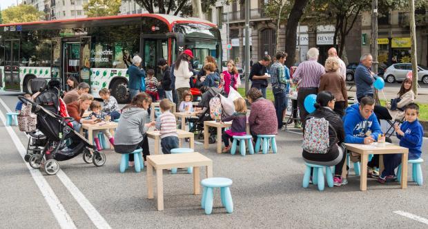 La ciudad de Barcelona cede el paso a la ecomovilidad