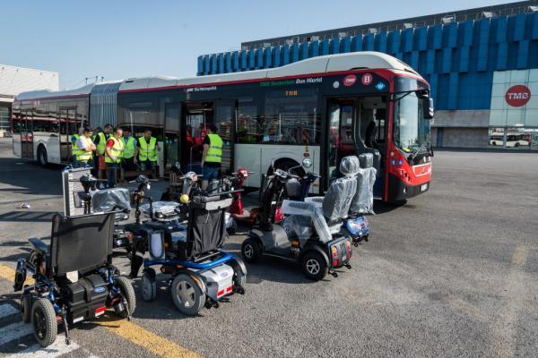 Pruebas técnicas para la futura normativa sobre scooters de movilidad en TMB
