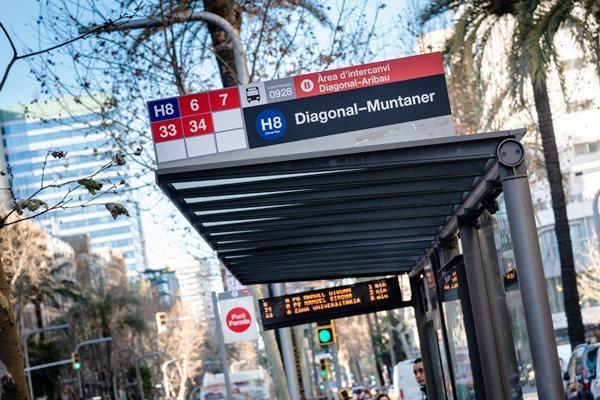 Más información en tiempo real en las paradas de autobús de TMB