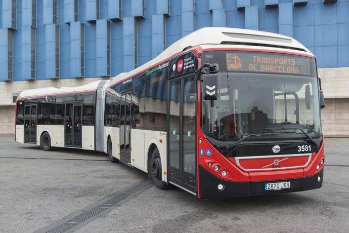 TMB incorpora los primeros 27 híbridos articulados a la flota de autobuses