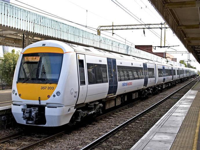 National Express vende franquicia inglesa de cercanías a Trenitalia