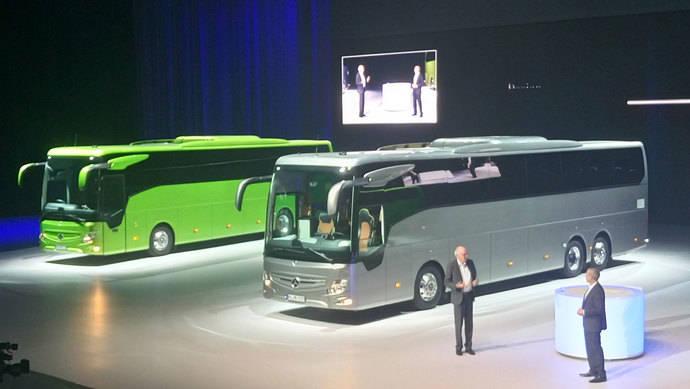 Mercedes-Benz presenta su nuevo autocar estrella, el Tourismo RHD