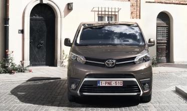 Toyota presenta el nuevo Proace Verso y Proace Furgón