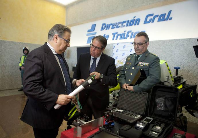 El ministro de Interior, Juan Ignacio Zoido, durante la presentación de la patrulla integral.