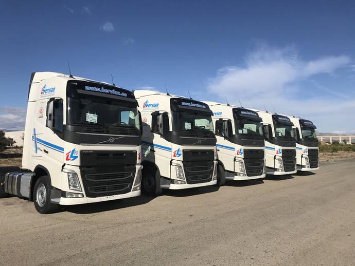 Cinco tractoras Volvo FH13 para Hervian