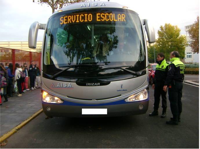 La DGT decide vigilar el transporte escolar