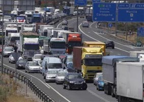 España, con gran presencia en la Unión Europa, reduce su actividad a terceros países