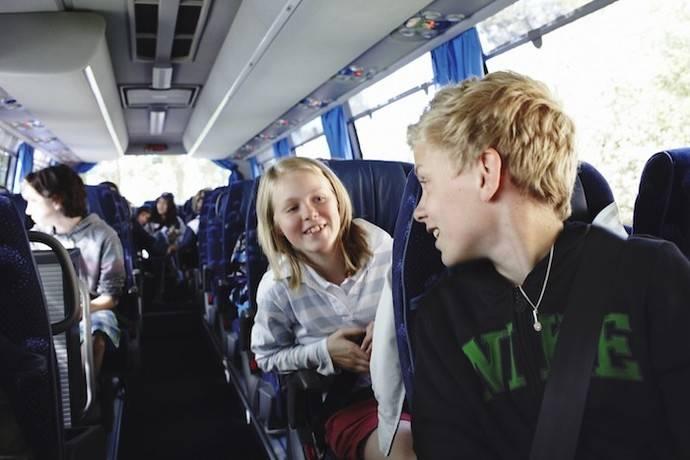 El autobús transporta a más de 235 millones de escolares al año
