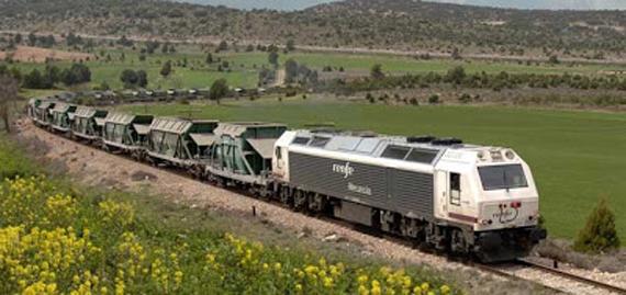 Fomento crea plan para impulsar las mercancías por ferrocarril