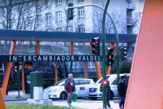 Santander crea grupos de trabajo con asociaciones de vecinos para analizar el TUS