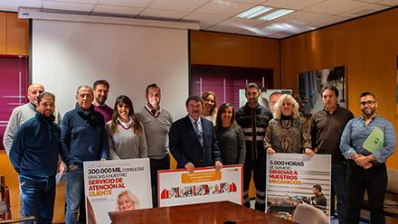 Tussam muestra la campaña 'Sensibilización con Transporte Público'