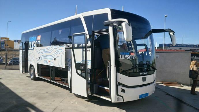 Somauto inaugura nuevas instalaciones y presenta tres modelos en España
