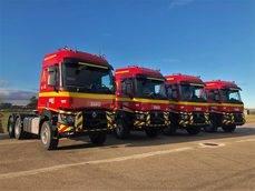 Las cuatro nuevas tractoras de la UME.