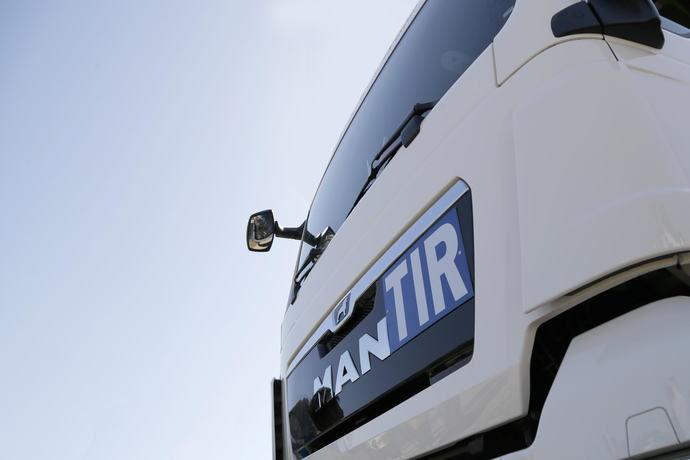 Ontruck apoya a Volta en su presentación en Barcelona del camión del futuro