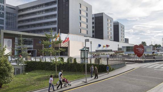 La línea de autobuses entre Astillero y Santander pasará por Valdecilla a petición de la gerencia y trabajadores del Hospital