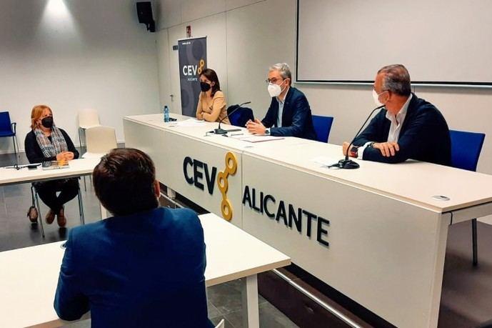 8.400 euros de ayuda por autobús, para el discrecional valenciano