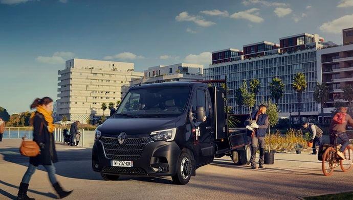 Renault Trucks lanza una oferta de Master Red Vans