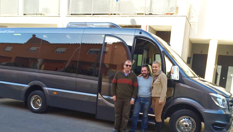 Veinbus suministra a dos empresas andaluzas sendas Sprinter Mercedes-Benz carrozadas en Auto Cuby