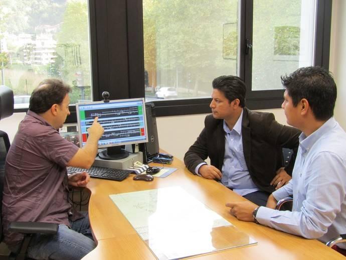 Dbus recibe la visita de una delegación peruana