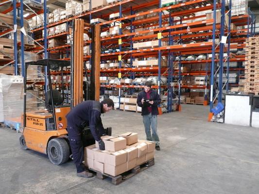 El mercado laboral del sector logístico sube salarios para atraer talento