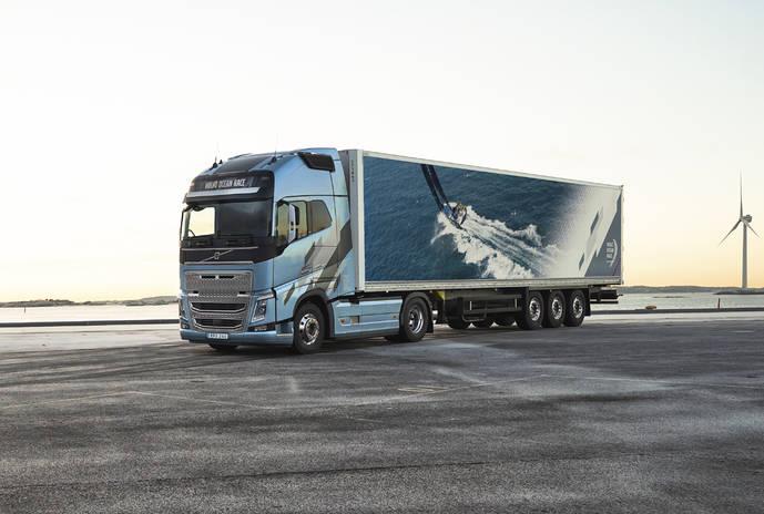 Volvo Trucks presenta sus nuevos camiones larga distancia de GNL