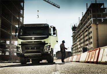 Volvo Trucks celebra 10 años en la construcción