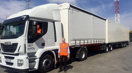 Carrefour optimiza su cadena logística con el uso del megacamión