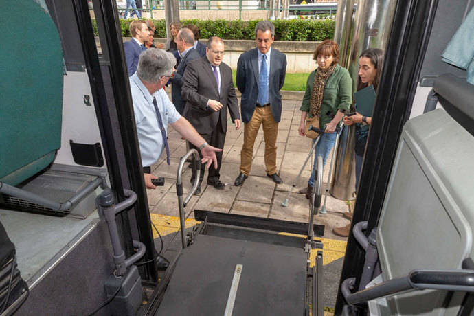 Autobús accesible entre Santander y Torrelavega