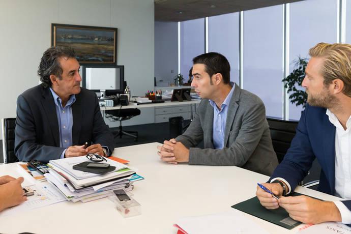 Cantabria defiende la igualdad entre taxis y VTC