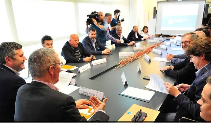 Xunta y Diputación colaborarán por el transporte de Ourense