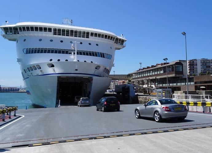 Inaugurada una rampa RoRo flotante en la Estación Marítima