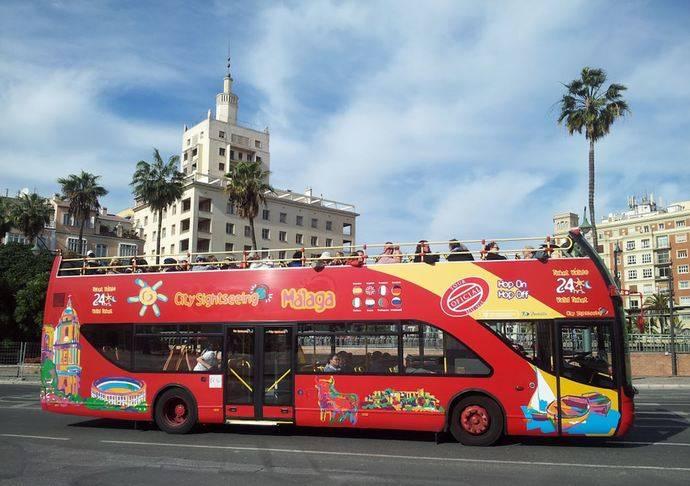 City Sightseeing pone en marcha en Málaga el Bus de la Ilusión